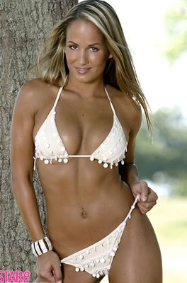 Jenn-brown-asked-to-pose-for-si-swimsuit-issue-4_display_image
