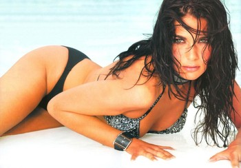 Wags-soccer-lorena-bernal-3_display_image