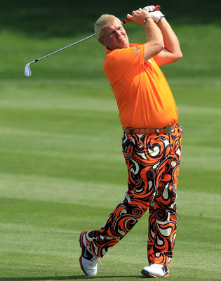 Dressing like a fool is his thing, golf clearly isn't