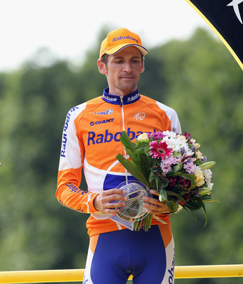 Menchov on the 2010 Tour de France podium