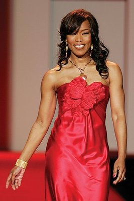 Angela_bassett_red_dress_collection_2007_display_image