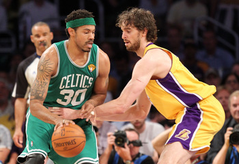 Wallace and Gasol going at it...could they be teammates?