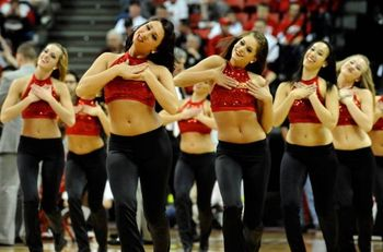 San-diego-state-cheerleaders_display_image
