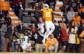 Darick-rogers-one-handed-game-tying-td_go-vols-247_display_image
