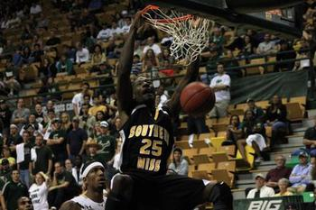 Setwidth445-usm-bball_display_image