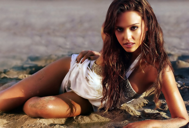 Ps3_jessica_alba_07_crop_650x440