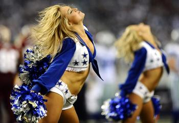Dallas-cowboys-cheerleaders-stomach-muscles_display_image