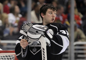 LOS ANGELES, CA - FEBRUARY 25:  Goaltender Jonathan Quick #32 of the Los Angeles Kings looks on during a time out against the Chicago Blackhawks in the third period at Staples Center on February 25, 2012 in Los Angeles, California. The Kings defeated the