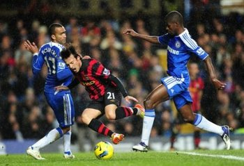 258930510-soccer-barclays-premier-league-chelsea-v-manchester-city-stamford-bridge_display_image