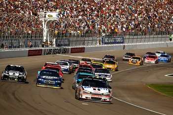 Tony Stewart's strong restarts contributed to his Vegas win on Sunday