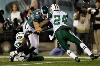 Brent Celek carries two defenders into the end zone on his 73-yard catch and run score.