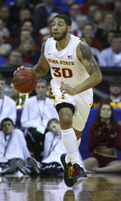 Royce White leads the Cyclones against defending champion UConn.
