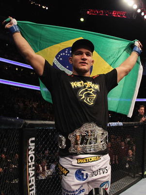 Junior-dos-santos-belt_display_image