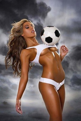 Spanish-soccer-girls-2_display_image_display_image