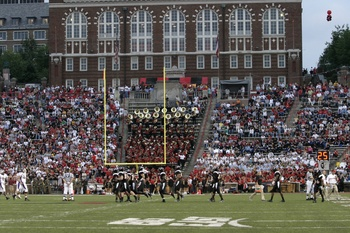 Nippert-lowwcu02_display_image