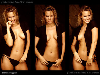 Julia_schultz_0003_display_image_display_image
