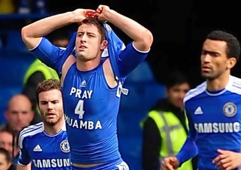Gary-cahill-pray-4-muamba_display_image