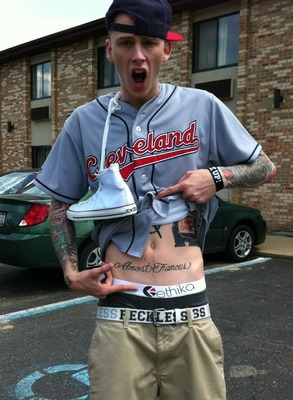 Pictured: Machine Gun Kelly NOT Ryan Sheckler. Photo via @RyanSheckler