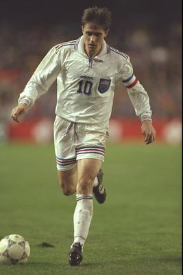 14 Dec 1996:  Dragan Stojkovic of Yugoslavia in action during the World cup qualifier between Spain and Yugoslavia in Valencia, Spain. Spain won the match 2-0. Mandatory Credit: Ben Radford/Allsport