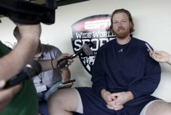 Tommy Hanson speaks to the media about his one-car accident.