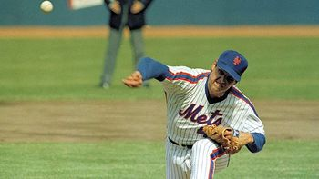 Tom Seaver returned to the Mets for one last hurrah.