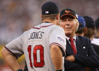 Brooks Robinson has a chat with Chipper Jones at the 2009 All-Star game.