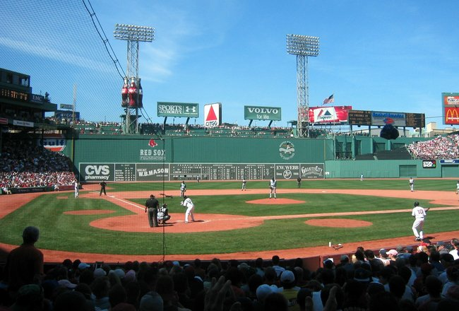 Fenway_park_home_plate_and_green_monster_crop_650x440