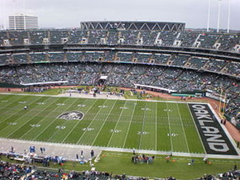 300px-oakland_coliseum_field_from_mt