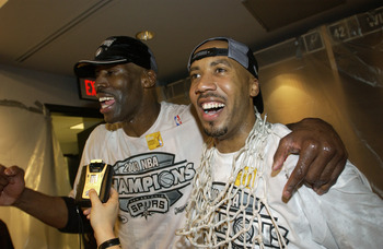 A 40-year-old Kevin Willis came along for the Spurs' 2003 title ride.