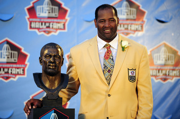 CANTON, OH - AUGUST 6:  Former Chicago Bears defensive end Richard Dent poses with his bust at the Enshrinement Ceremony for the Pro Football Hall of Fame on August 6, 2011 in Canton, Ohio.  (Photo by Jason Miller/Getty Images)