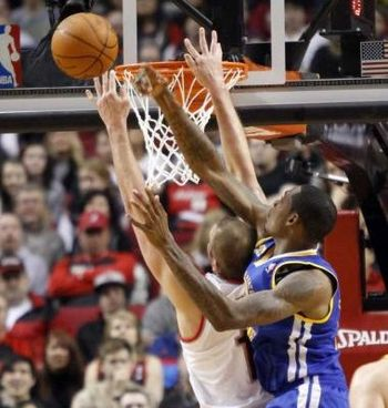 http://www.beaumontenterprise.com/sports/article/Aldridge-Felton-lead-Blazers-past-Warriors-90-87-3433983.php