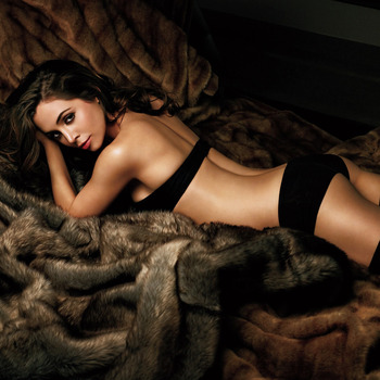 Eliza-dushku-black-lingerie_1024x1024_1394_display_image