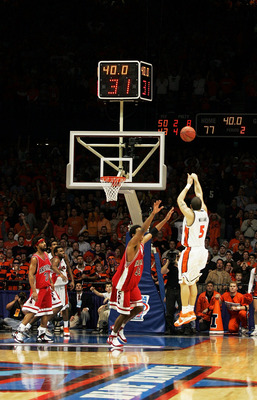 Deron Williams' trey sends the Elite Eight game to overtime, where Illinois defeated Arizona in OT.