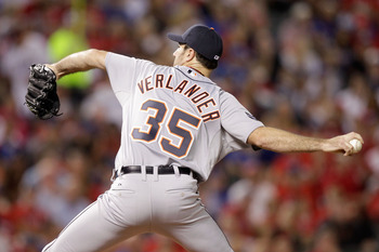 Justin Verlander throws a pitch during the ALCS.