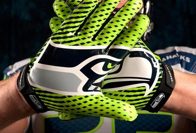 Gloves-02--nfl_mezz_1280_1024_original_crop_650x440