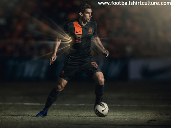Holland-euro-2012-away-nike-football-shirt-c_display_image