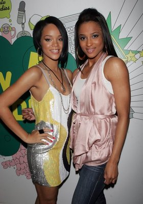 Rihanna_and_ciara-mtv_trl20_display_image