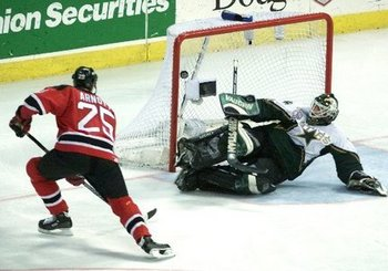 Arnott-cup-winning-goal_2000_display_image