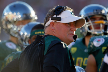 PASADENA, CA - JANUARY 02:  Head coach Chip Kelly of the Oregon Ducks looks on while taking on the Wisconsin Badgers at the 98th Rose Bowl Game on January 2, 2012 in Pasadena, California.  (Photo by Jeff Gross/Getty Images)