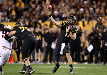 TEMPE, AZ - NOVEMBER 19:  Quarterback Brock Osweiler #17 of the Arizona State Sun Devils throws a pass during the college football game against the Arizona Wildcats at Sun Devil Stadium on November 19, 2011 in Tempe, Arizona.  (Photo by Christian Petersen