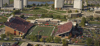 Huskie-stadium2-430_display_image