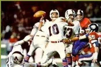 QB George Mira (shown with the WFL's Birmingham Americans) was MVP of the first World Bowl