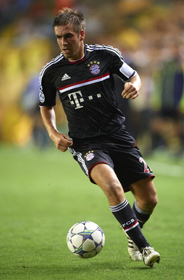 VILLARREAL, SPAIN - SEPTEMBER 14:  Philipp Lahm of Bayern Muenchen in action during the UEFA Champions League group A match between Villarreal and Bayern Muenchen at El Madrigal on September 14, 2011 in Villarreal, Spain.  (Photo by Manuel Queimadelos Alo