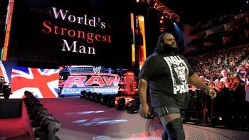 Mark Henry makes his ring entrance on last night's Raw.