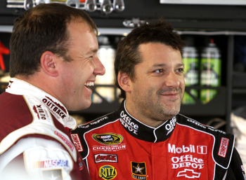 Tony Stewart(right) and Ryan Newman(left) both finished outside the Top 20 at Texas