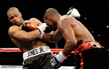 Roy Jones being battered by Hopkins