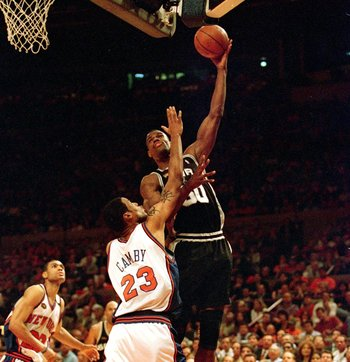 David Robinson had his way with the Knicks in the 1999 Finals.