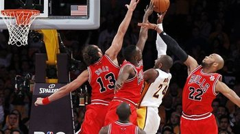 Spt-111225-lakers-bulls513