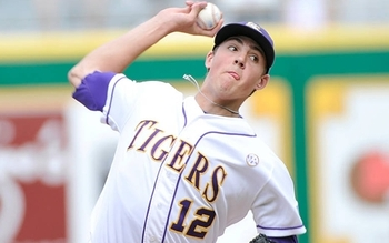 Kevin Gausman throws for the Louisiana State University Tigers.