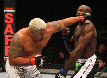 Ufc144_10_hunt_vs_kongo_001_display_image